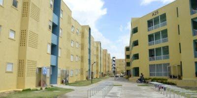 Los residentes se han visto obligados a establecer sus propias normas de conviviencia en los proyectos que fueron donados por el  Estado.  jOSÉDE LEÓN