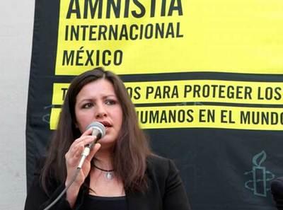 """La directora para las Américas de Amnistía Internacional, Erika Guevara-Rosas, defendió que, según el derecho internacional, la práctica de """"arrancar a los niños de los brazos de sus padres y colocarlos en centros de detención saturados"""" puede considerarse tortura por el daño mental que acarrea para las familias."""