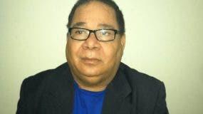 El periodista Aristófanes Urbáez falleció este viernes en una clínica de esta capital.