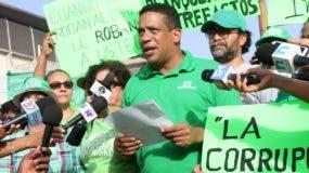 Carlos Pimentel ofrece declaraciones sobre caso Odebrecht.