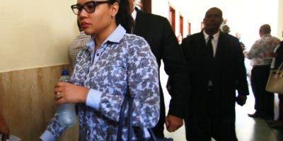 Dariana Cordero, esposa de Dionni Santana, en el Palacio de Justicia de Ciudad Nueva. Foto: Archivo.