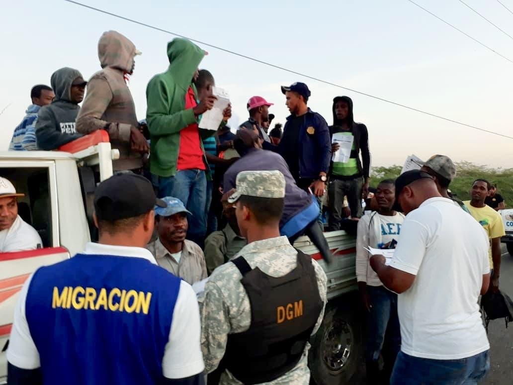 Migración apresa y deporta 692 haitianos durante operativos en la frontera