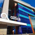 Fachada de la sede principal de Altice Dominicana en la avenida Núñez de Cáceres.