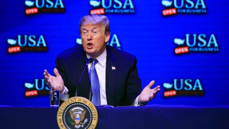 El presidente Donald Trump habla durante una mesa redonda sobre la reforma tributaria en el South Point Hotel and Casino en Las Vegas, el sábado 23 de junio de 2018. (AP)