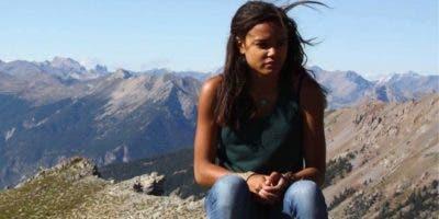 Cedella Roman asegura que no vio señales de la frontera en la playa ni en el camino de tierra por el que pasó. BBC