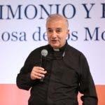 La conferencia fue dictada por  Ángel Espinosa de los Monteros