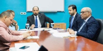 Rafael Paz se reunió hoy  en la Cámara de Diputados con la Comisión de Justicia que presiden los diputados Henry Merán