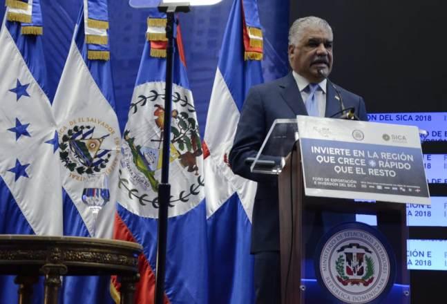Miguel Vargas, canciller de la República Dominicana, descarta que el país sea expulsado del DR-CAFTA como publicó un periódico de Miami.