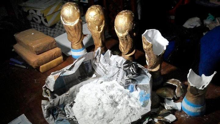 Incautan en Argentina droga en trofeos falsos del Mundial de Rusia