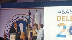 Paliza y Mejía fueron juramentados en la convención de delegados del PRM. Foto: Degnis De León.