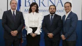 Ignacio Guerra, Carolina Silié, Ryan Larrauri y José Ureña.