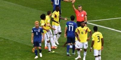 En la primera acción en ataque de Japón se produjo la jugada en la que fue expulsado el colombiano Carlos Sánchez.