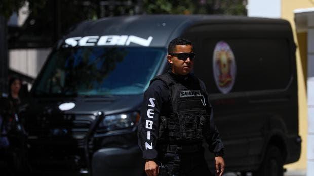 Mueren 17 personas al estallar una bomba lacrimógena en una fiesta de fin de año escolar