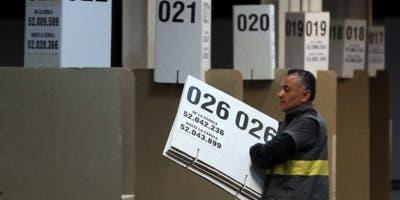 Unos  36.227.267 colombianos están habilitados para sufragar en 96.724 mesas instaladas. Foto AP