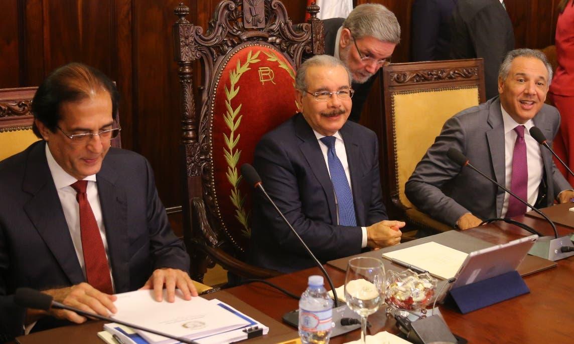 Los funcionarios del Gobierno se reunieron por más de dos horas.  fuente externa