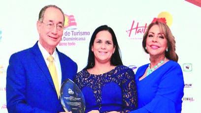 Luis Felipe Aquino, Luisa de Aquino y  Deyanira Pappaterra.