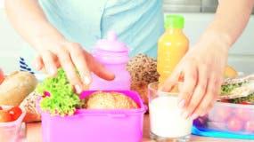 Al momento de preparar la merienda  de los niños hay que considerar ofrecerles porciones adecuadas.
