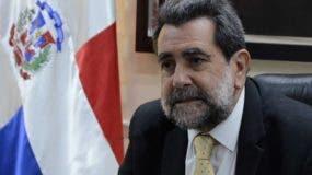 Enrique Deibe recomienda mantener las transformaciones educativas.  JOSÉ DE LEÓN