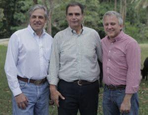 Claudio C. Fioretti, José M. González Cuesta  y Manuel Morillo.