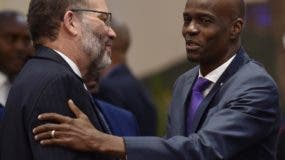 Jovenel Moise agota una agenda de reuniones políticas.  AP