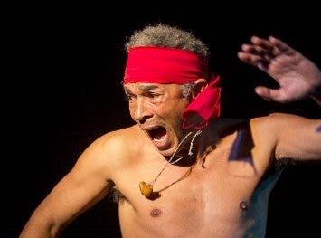 Uno de los personajes de Anacaona Teatro.