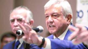 """El 71 % de los encuestados se siente """"optimista"""" respecto al futuro del país con López Obrador como mandatario, mientras que un 18 % se muestra pesimista, y el resto no se posiciona al respecto."""