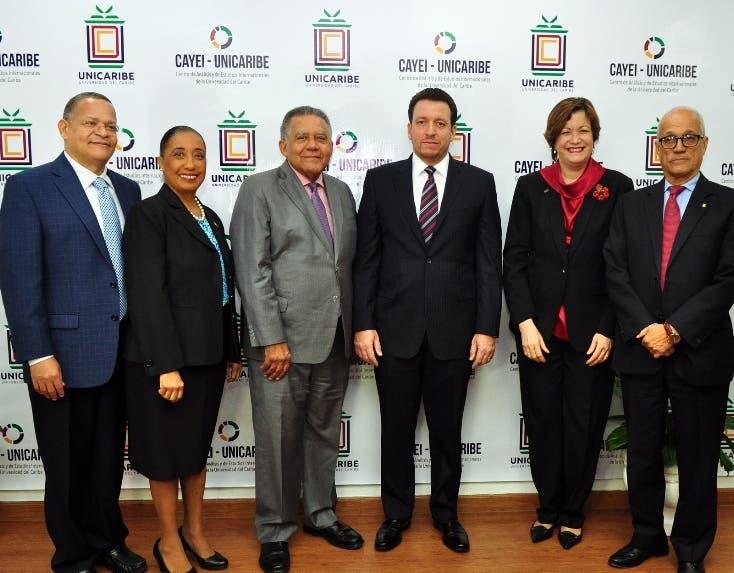 Unicaribe juramenta nueva directora ejecutiva