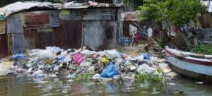 El cúmulo de basura se visualiza en todo el recorrido de estos afluentes.
