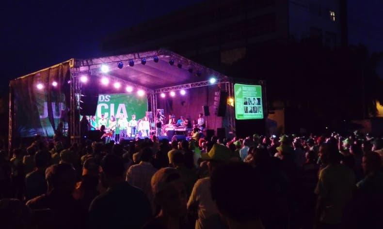 El concierto promovía  la marcha del  12 de agosto.