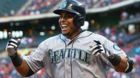 El dominicano Nelson Cruz es muy querido y respetado en los Marineros de Seattle.  Ap