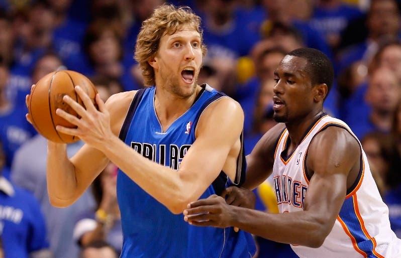 Dirk Nowitzki ha sido un Mavericks toda su carrera.  AP