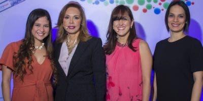 Yiselle Castillo, Rosa Acevedo, Carolina Ortiz y  Yamile Sandoval.