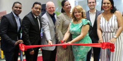 Raymond Pozo, Miguel Céspedes, Michael Carrady, Yvette Marichal, Hanoi Sánchez, Michael Carrady, Zumaya Cordero.