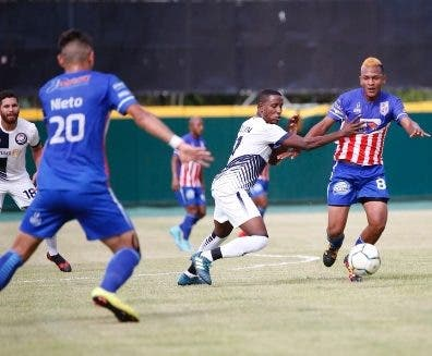 San Francisco golea a los Defines en la Liga Dominicana de Fútbol
