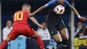 La velocidad en el ataque del joven   Kylian Mbappé ha sido una de las armas letales de Francia en lo que va del Mundial.  AP