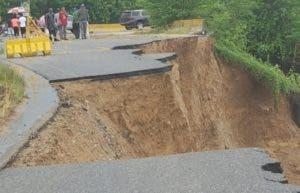 Derrumbe en la entrada de San Cristóbal. fuente externa