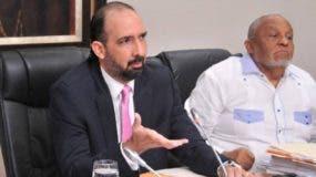 Henry Merán preside la comisión de diputados que estudia el proyecto de Ley de Partidos Políticos.