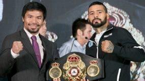 Manny Pacquiao y Lucas Mattysse durante el encuentro con la prensa ayer en Malasia.