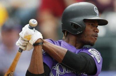 El dominicano Raimel Tapia es un buen bateador.  ap