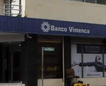 En este banco se robaron 11 millones de pesos.