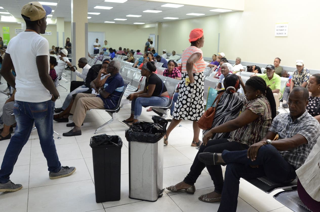 Pacientes asistieron a sus citas a pesar de las deficiencias en la infraestructura.  josé de león