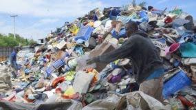 Las exportaciones locales  de residuos plásticos a más de 30 países alcanzaron US$67.3 millones en los últimos 3 años.  EliEser Tapia