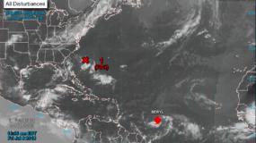 """Según un probable patrón de trayectoria, el ojo de Beryl """"se aproximará a las Antillas Menores este fin de semana y cruzará la cadena de islas el domingo por la tarde y el lunes"""", indicaron los científicos del NHC, con sede en Miami."""