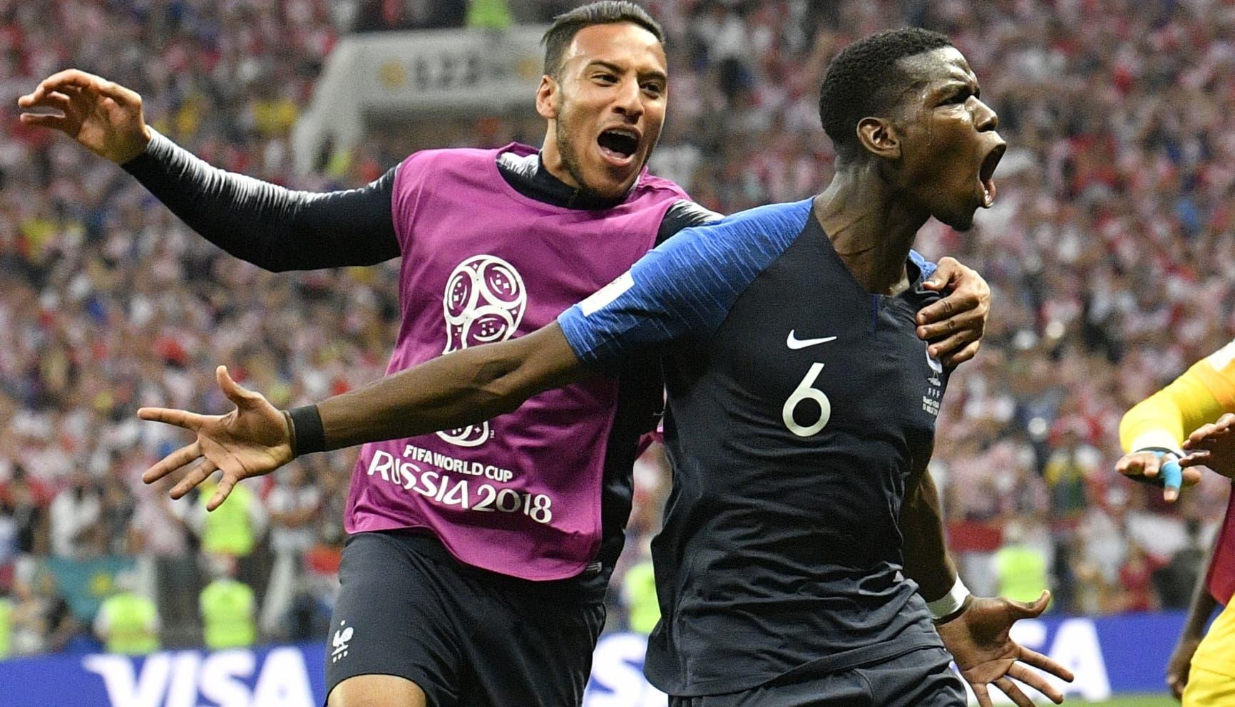 14. Paul Pogba, de la selección de Francia, festeja luego de anotar el tercer tanto de su equipo en la final de la Copa del Mundo ante Croacia, el domingo 15 de julio de 2018, en el estadio Luzhniki de Moscú (AP Foto/Martin Meissner)