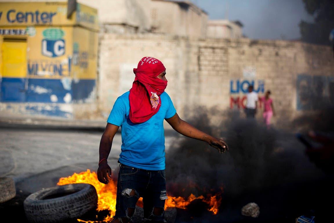 15. La Policía haitiano no pudo  contener las protestas de los haitianos descontentos. Foto de archivo