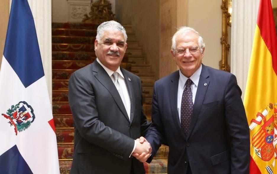 Canciller Miguel Vargas y colega español, Josep Borrell.