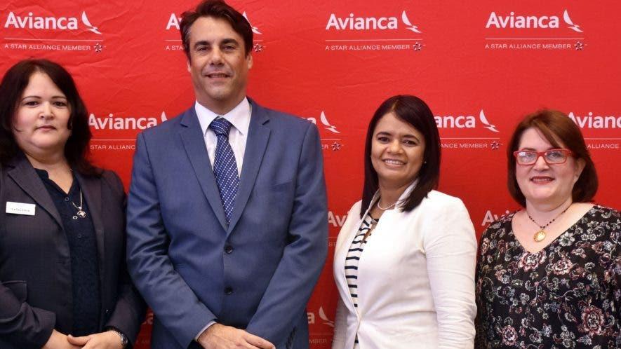Kenia Muñoz, Iván Cunillera, Alexandra Orozco y Gianell Peña Cabrera.
