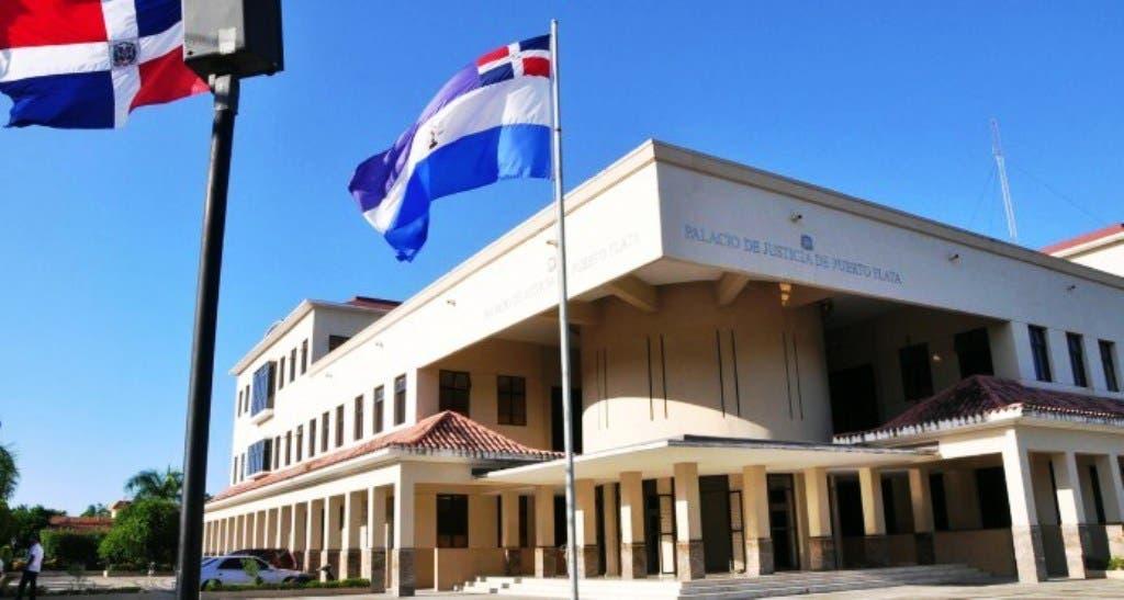 tribunal-de-puerto-plata-suspende-resolucion-edilicia-daba-poderes-al-alcalde-municipal-para-ceder-recogida-de-basura-a-una-empresa-privada