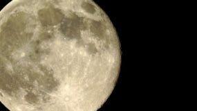 te-has-preguntado-por-que-brilla-la-luna-e1457729536342