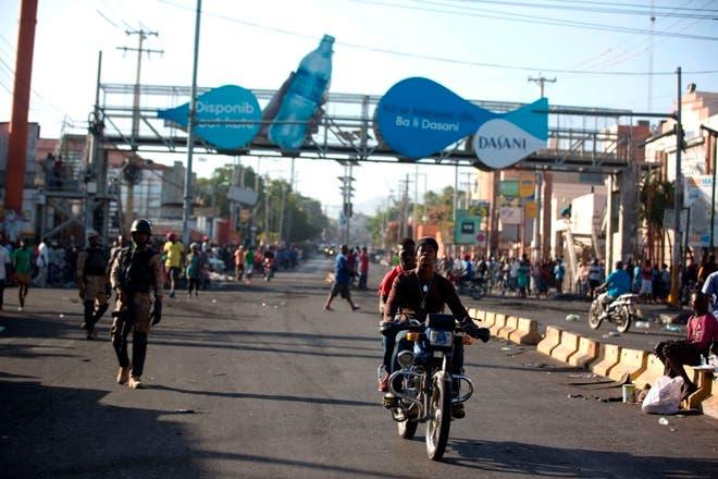 Una calle principal está relativamente vacía en Delmas debido a una huelga general en Puerto Príncipe, Haití. AP